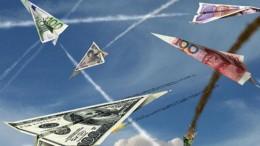 Aviones en forma de billetes en el aire