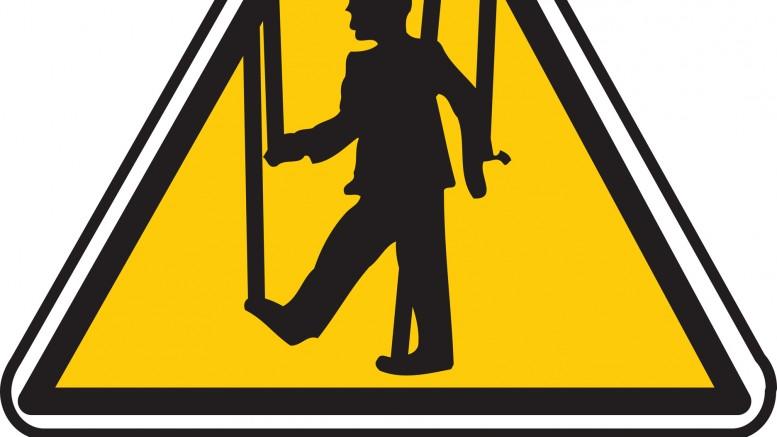 Señal de tráfico de peligro manipulación