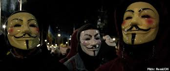 Hombres con mascara de V for Vendetta