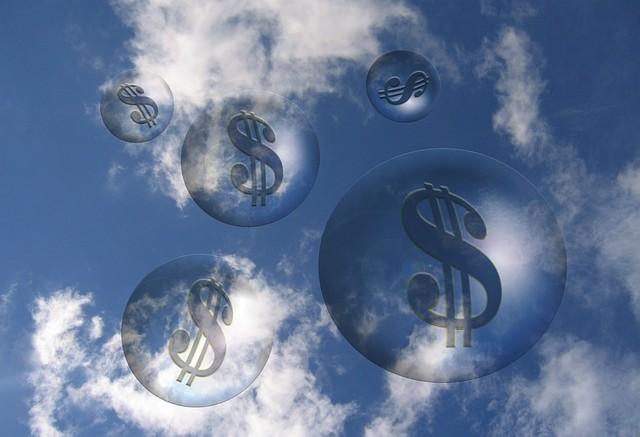 Dolar simbolo en nubes