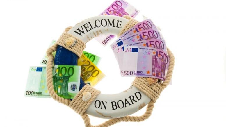 Billetes de euros con salvavidas