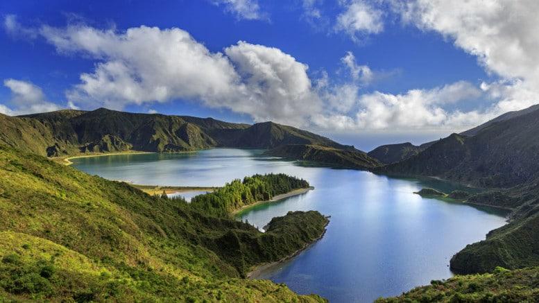 Lago del Fuego en Acores Portugal