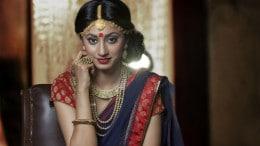 Mujer de la India con joyas