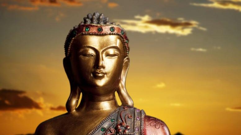 Buda dorado en India